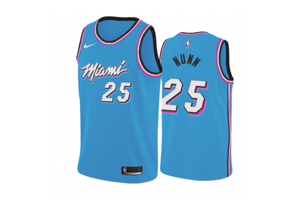 Divisa che vince non cambia. O meglio, cambia solo il colore. Miami chiude l'era delle Vice City – o forse no? – in bellezza, con la versione forse più bella tra le quattro proposte. L'azzurro acceso utilizzato come primario, abbinato ad una palette che abbiamo imparato ad amare conferisce a questa squadra spumeggiante un che di spettacolare. Non può non piacere, ma come tutte le cose belle prima o poi finiscono, speriamo che l'anno prossimo gli Heat si inventino qualcosa di altrettanto pazzesco. Impatto visivo: ☺☺☺☺☺ Originalità: ☺ Significato: ☺