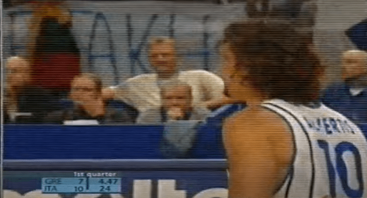 """""""Vi ricordate quando si parlava del vuoto pneumatico per i quarti del '97 con la Turchia? Ecco, nei quarti 2003 nel parterre c'era Larry..."""